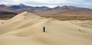Chuck Austin, riding dunes near Winnemucca, Nevada
